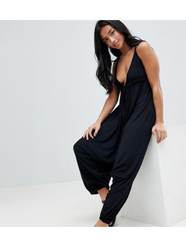 ASOS DESIGN Petite Jersey Jumpsuit With Halterneck And Drop Crotch - Black