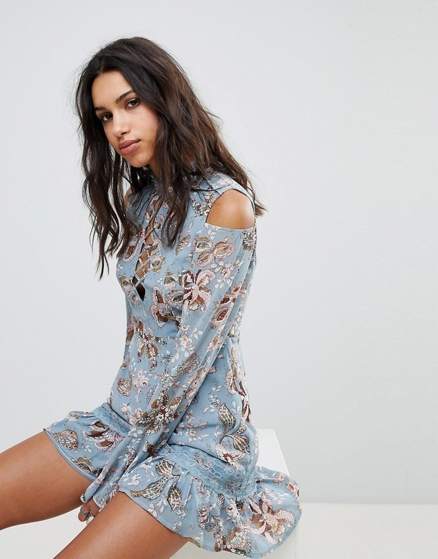 ebonie n ivory Cold Shoulder Dress In Paisley - Blue