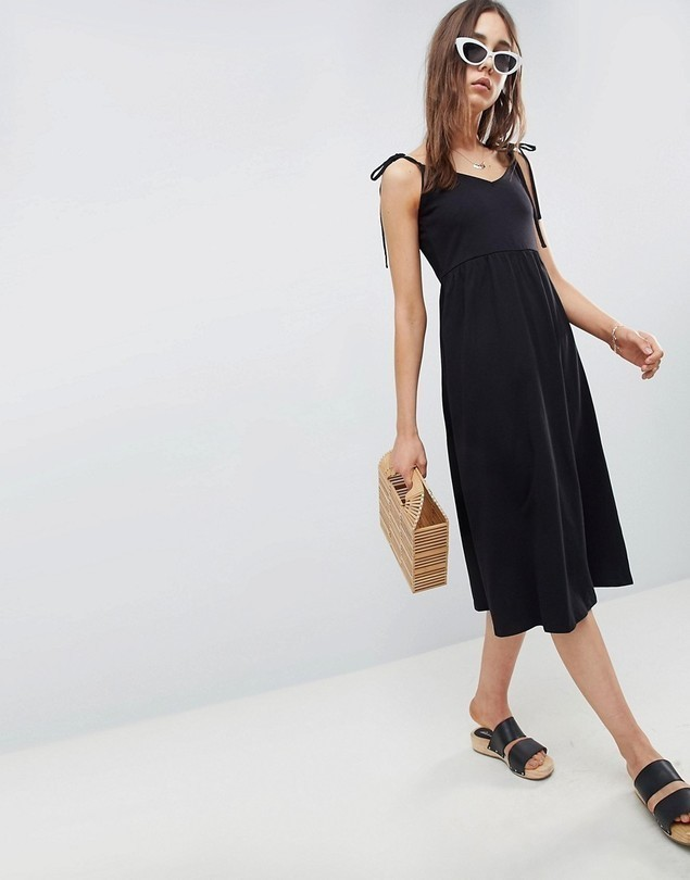 ASOS DESIGN midi smock sundress with tie straps - Black