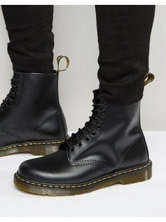 Dr Martens Original 8-Eye Boots 11822006 - Black