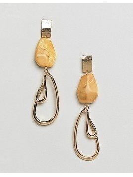ASOS DESIGN resin and abstract metal drop earrings - Gold