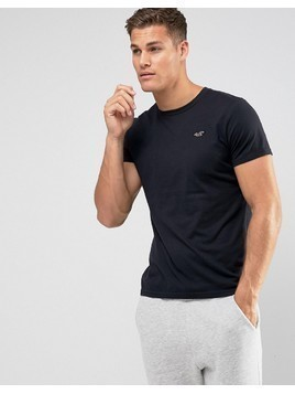 Hollister Crew Neck T-Shirt Slim Fit Icon Logo in Black - Black