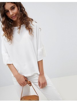 b.Young Pleated Sleeve Top - White