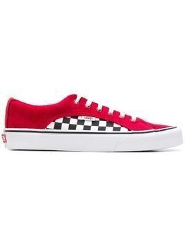 Vans Old Skool checkered sneakers
