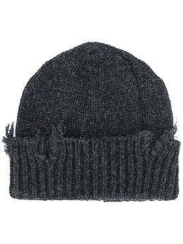 Maison Margiela distressed knit beanie - Grey