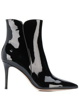 Gianvito Rossi pointed toe booties - Black