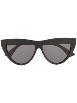 Bottega Veneta Eyewear cat-eye frame sunglasses - Black