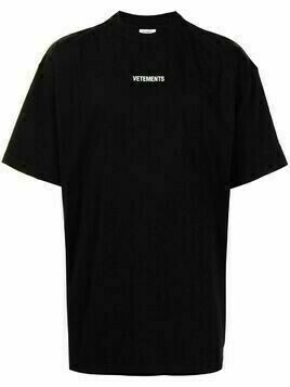 VETEMENTS logo-patch T-shirt - Black