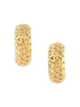 Chanel Pre-Owned interwoven texture CC hoop clip-on earrings - GOLD