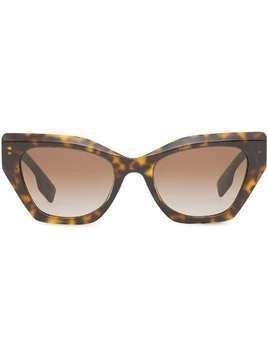 Burberry butterfly-frame sunglasses - Brown