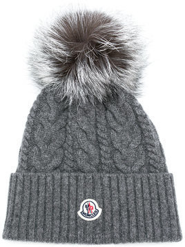 Moncler pom pom cable knit beanie - Grey
