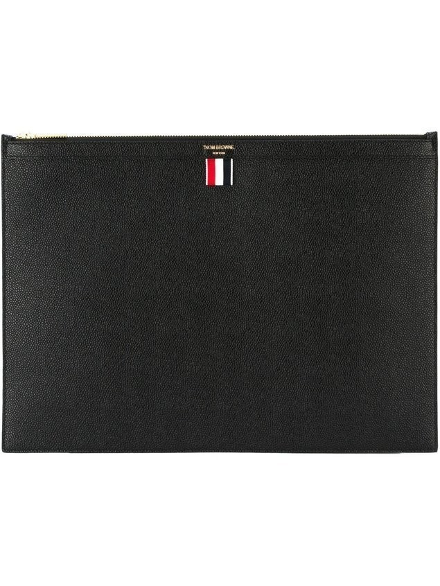 Thom Browne Large Zipper Laptop Holder (39X28CM) In Pebble Grain - Black