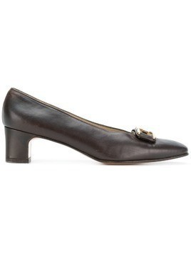 Salvatore Ferragamo Pre-Owned front buckle pumps - Brown