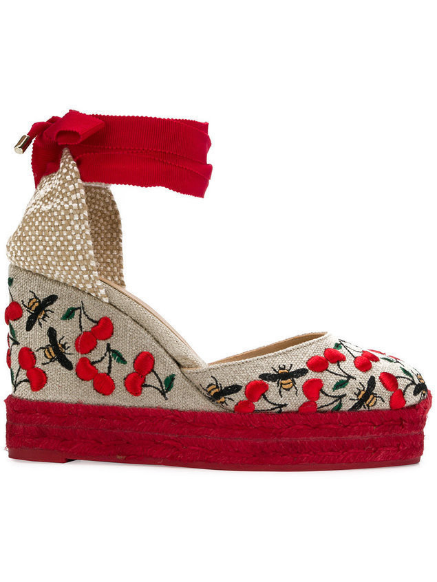 Castañer Carina cherry and bee embroidered espadrilles - Nude & Neutrals