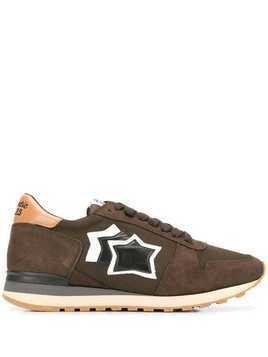 Atlantic Stars star patch sneakers - Brown