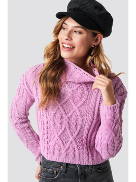 Sweter Cable Knitted