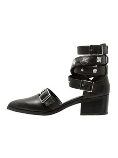 Eeight UMA Ankle boot black